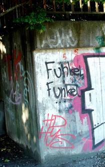 Ein Grafitti mit dem Spruch: Funkel, Funkel.