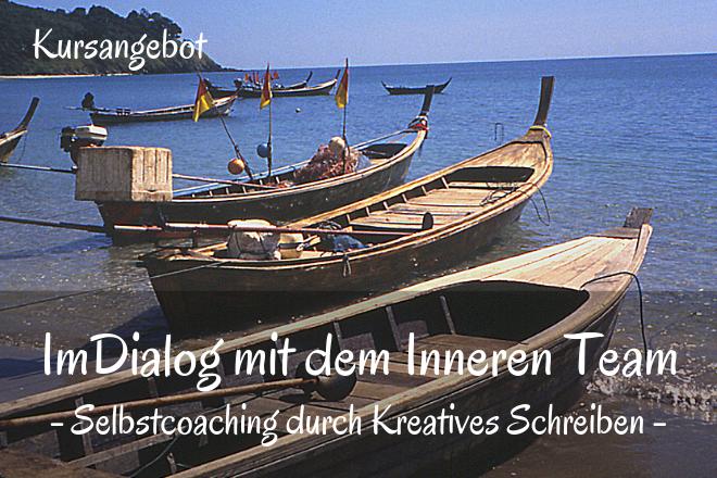 Bild: Holz Boote am Strand | Texte: Im Dialog mit dem Inneren Team - Selbstcoaching durch Kreatives Schreiben | Sabine Lowsky